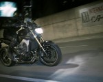 2014-Yamaha-MT-09-EU-Deep-Armor-Action-003